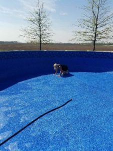 Now that Spring is coming to a close, the weather is heating up and kids are returning home from school - it's officially Liner Replacement Season! Season is now in full swing and we are hard at working installing new above ground vinyl liners to get these pools open for summer.